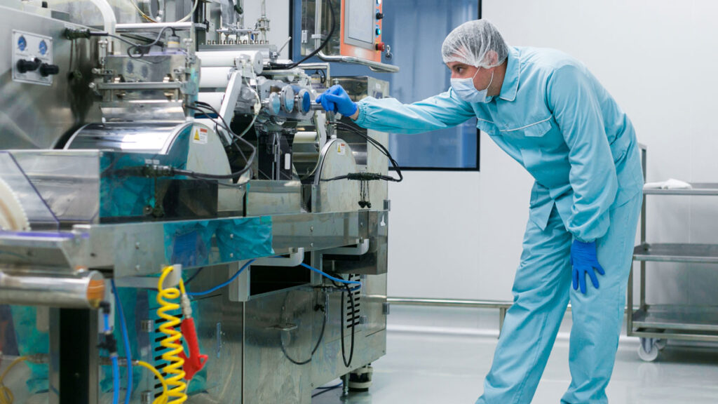 How Can Drug-Contamination Be Avoided By Compounding Aseptic Isolators?