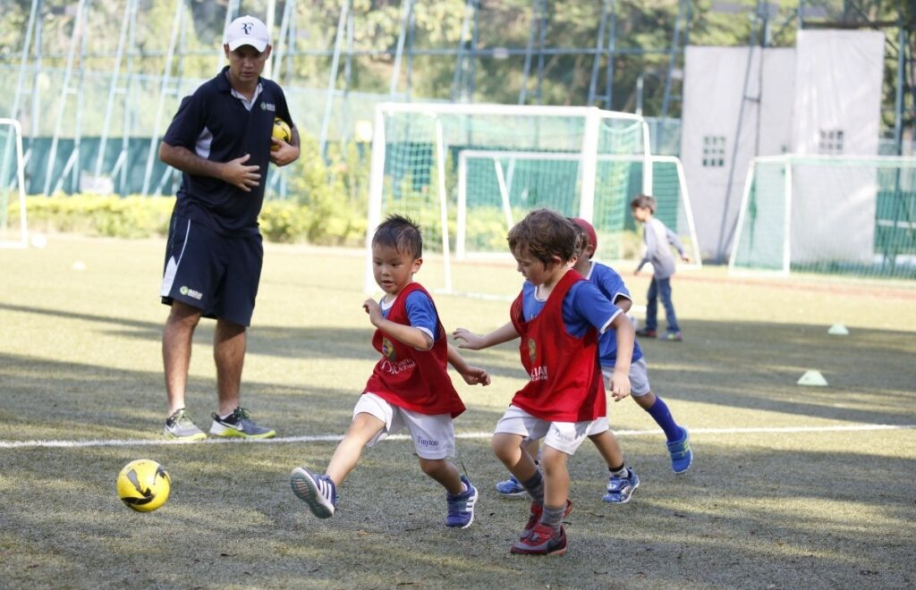 Top Tips To Develop The Littles Ones Into Great Footballers'?